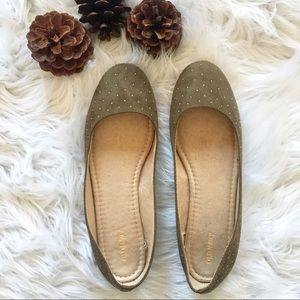 Old Navy | Olive Green Studded Flats 🌟